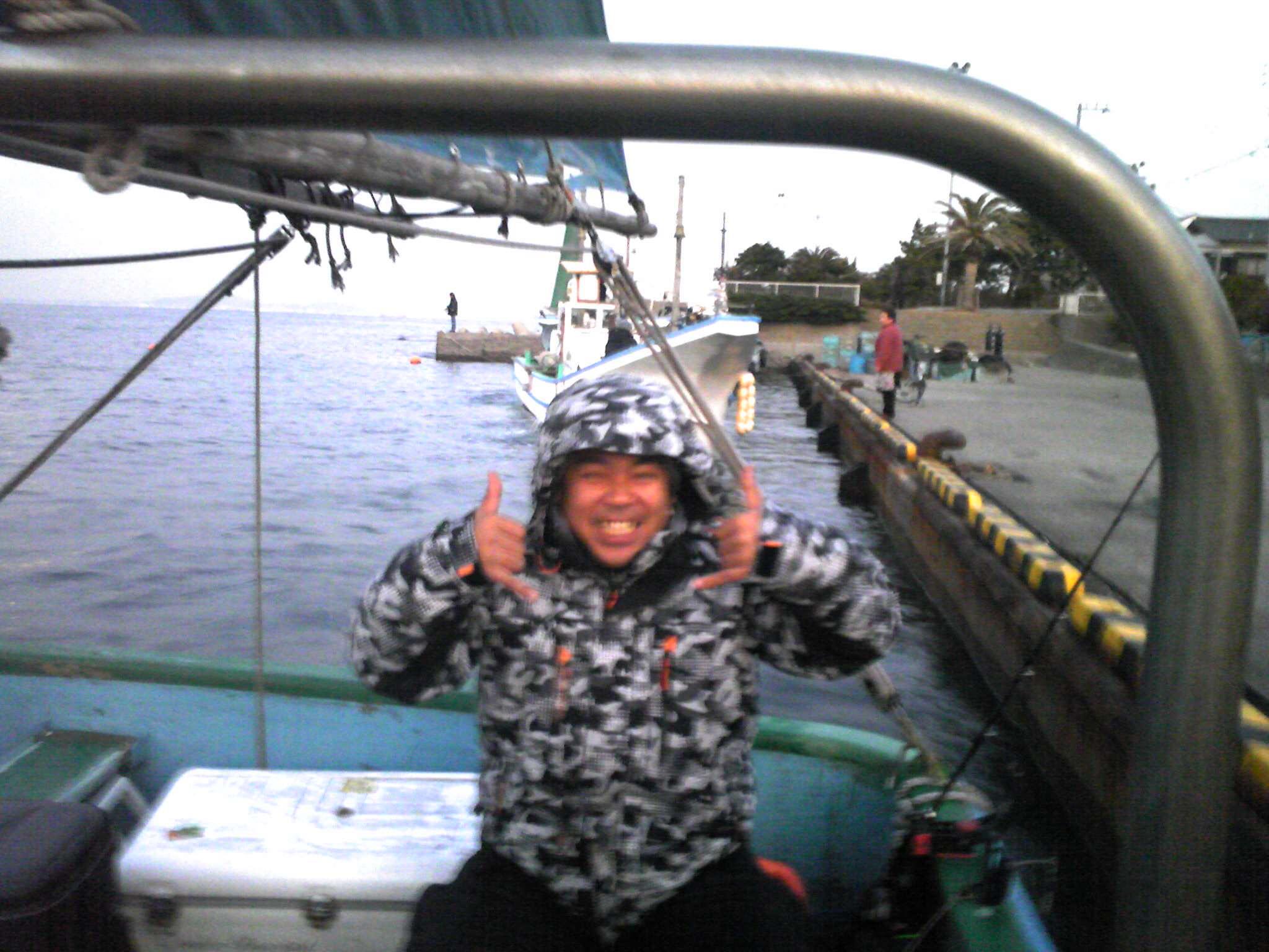 タチウオ船 出発